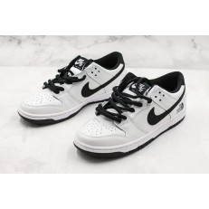 NIKE SB DUNK LOW IW BLACK AND WHITE PANDA 819674-101