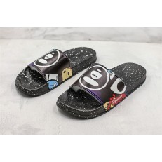 SUPREME SUPRIZE DESIGN SLIPPER 01
