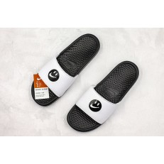SIMLEY x NIKE BENASSI BLACK WHITE SLIPPER