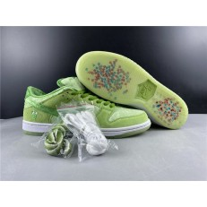 STRANGE LOVE x NIKE SB DUNK LOW PRO GREEN CT2552-300